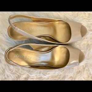 Open Toe Beige/Nude Patent Leather Heels